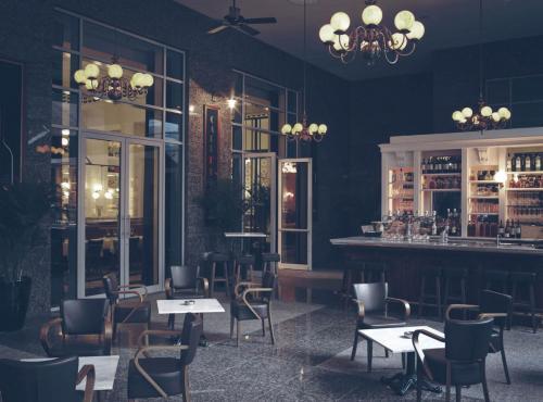 CAFÉ BELGE RITZ CARLTON